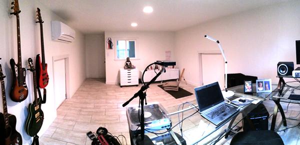 minimalist_workspace